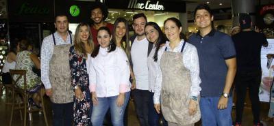 César Restrepo, Laura Forero, Tavo Rodríguez, Elina Céspedes, Bibiana Ariza, Luís Tapias, Tatiana Díaz, Nohora Mejía y Luís Ruiz.
