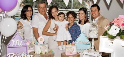 Bárbara Rivera, Alexis Villamizar, Marcela Villamizar, Guadalupe González Villamizar, Alejandro Goyeneche, Angélica Villamizar y Edwar González.