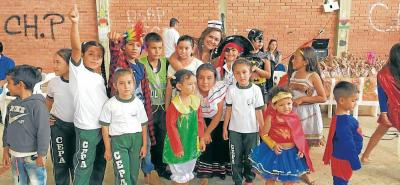 350 niños de las distintas veredas de Palmas del Socorro tuvieron una jornada recreativa. La mayoría de ellos disfrazados de sus personajes favoritos.