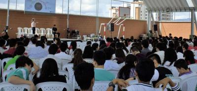 El 'Green Teen Summit' surge como un espacio de discusión en torno a temas ambientales; teniendo en cuenta que en el área metropolitana, ni en Santander, se había propiciado.