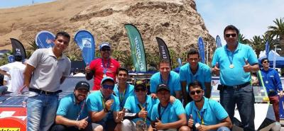 El equipo de Sena entre estudiantes y docentes obtuvieron el primer lugar en Atacama, Chile.