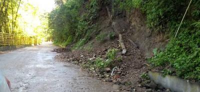 Reiterativamente se vienen recibiendo quejas por el mal estado de esta carretera que pretende convertirse en un corredor turístico.