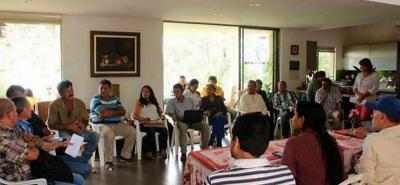 Todos los lunes en diferentes espacios los comunales del municipio se reúnen para plantear la propuesta del Cabildo que busca hacerle control político a la Piedecuestana de Servicios.