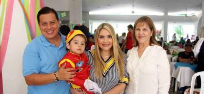 Diego Ortiz, Diego Pablo Ortiz, Neidé Contreras y Estella Supelano.