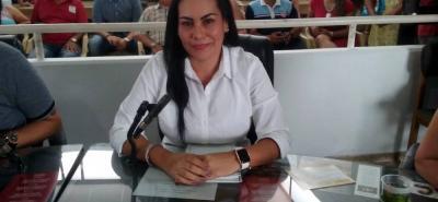Nueve votos a favor permitieron que la concejala de Aico Claudia Cecilia Hernández Villamizar sucediera en el cargo al concejal Néstor Alexander Bohórquez.