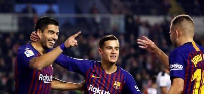 Dembelé y Luis Suárez salvan al Barcelona en partido contra Rayo