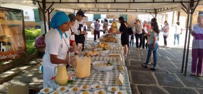 El objetivo social del evento es congregar a propios y visitantes con un producto de los campesinos de la región, resaltando su cultivo, cosecha y posterior uso nacional e internacional.