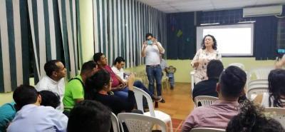 En Paloka estuvieron reunidos ambientalistas, líderes comunitarios y políticos para debatir el controversial tema.