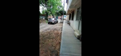 Siete conjuntos residenciales y hasta el Colegio Panamericano exigen el arreglo de esta malla vial.