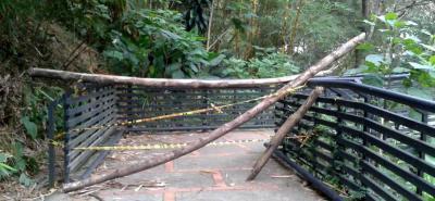Este fue uno de los puentes que se cerró para evitar que los usuarios sufran algún tipo de incidente.