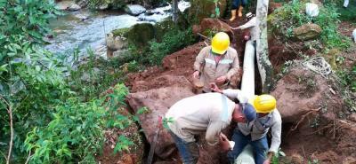 En Acuasan advierten que, mientras se soluciona el daño, habrá suministro de agua potable por medio de un carrotanque a los sectores afectados por el corte en el servicio.