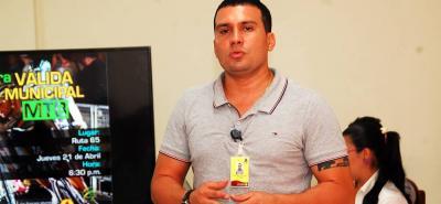 Christian Juliao, quien tiene detención domiciliaria, ahora enfrenta otro proceso legal debido a presuntas irregularidades en contrataciones mientras era director de Inderba.