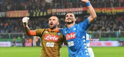 Así festejó el arquero colombiano David Ospina la victoria del Nápoles en campo del Génova, que tiene a su equipo segundo.