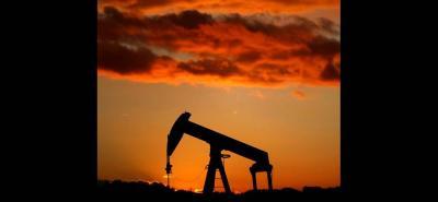 Ecopetrol dejó de recibir $825.620 millones en un mes con la caída del petróleo. De otro lado, el Consejo de Estado suspendió provisionalmente normas para hacer fracking en el país.