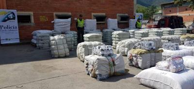 Cerca de 200 mil unidades de confecciones fueron decomisadas por la Policía FIscal y Aduanera.