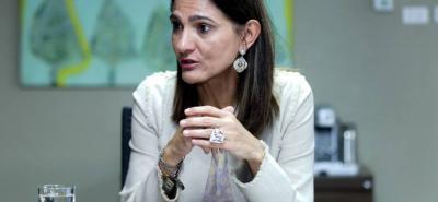 Ángela María Orozco, ministra de Transporte, espera que en el primer semestre de 2019 se dé solución a la obra de la Ruta del Sol II.