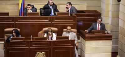 Según el ministro Alberto Carrasquilla Barrera, el proyecto establece que solo 3,9% de los pensionados, es decir unos 80.0000, empezarían a ser gravados.