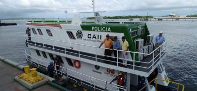 La construcción de la embarcación duró aproximadamente ocho meses y será operada por 10 hombres de la Policía Nacional.