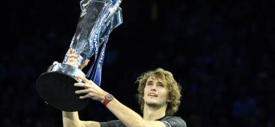 El alemán Alexander Zverev logró coronarse campeón del Torneo de Maestros, al vencer en la final al serbio Novak Djokovic.