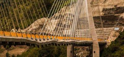 Aún se desconoce la fecha para la prueba de carga en el puente Hisgaura. Se espera que el Fondo Adaptación, Invías, la Interventoría ETA y Sacyr realicen la revisión y análisis integral del puente, con el fin de determinar la capacidad real de la estructura.