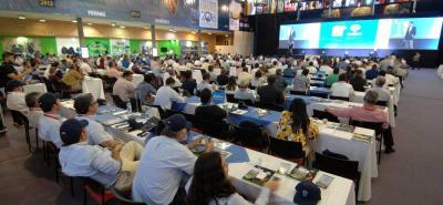Con lleno total estuvo el Congreso Mundial Brahman que culmina hoy en Cenfer. Comenzará la adecuación del escenario para la 77 Feria Nacional Cebú, la más grande del mundo.
