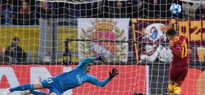 Este fallo del turco Cenzig Under, ante el arco desprotegido, privó a la Roma de empezar ganando el partido ante Real Madrid, y al final terminó perdiendo como local por 2-0, cediéndole el liderato del grupo al conjunto español.