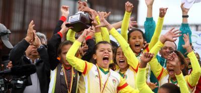 La selección Santander infantil de fútbol femenino, con el título del Campeonato Nacional, logró el premio al Deporte de Conjunto del 2017 en la ceremonia de Vanguardia Liberal. En esta ocasión, el elenco 'hormiguero' espera repetir el galardón, tras lograr dos títulos más.