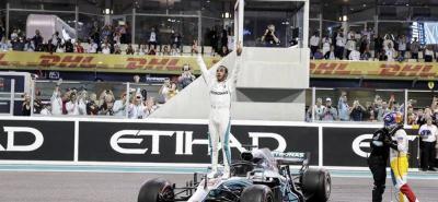 Lewis Hamilton no perdonó en Abu Dabi, donde se despidió Alonso de la F1