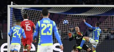 El Nápoles golea y es líder, pero se jugará el pase a octavos en Anfield