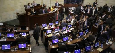 La iniciativa legislativa que busca amnistía para los reportados en centrales de riesgo es autoría de dos senadores de la República.