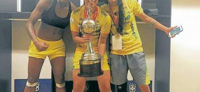 Yoreli Rincón y su trofeo más preciado: La Copa Libertadores 2018