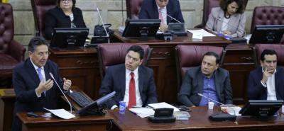 Expertos políticos consideran que continúa cierto distanciamiento entre el Gobierno Nacional y el Congreso de la República.
