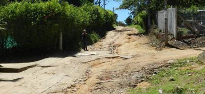 El problema de la malla vial en Acapulco no es reciente, el abandono viene desde anteriores administraciones. La comunidad espera que en el 2019 ejecuten las tan esperadas obras.