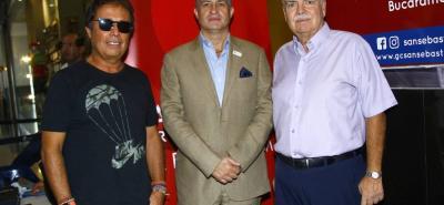 César Augusto Londoño, Carlos Enrique Riaño Duque e Iván Mejía Álvarez.