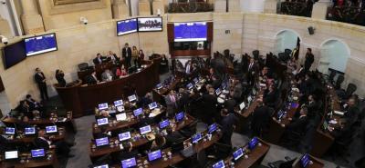 En las manos de la plenaria del Senado de la República quedó el futuro del proyecto de ley que regula el ejercicio periodístico en el país.
