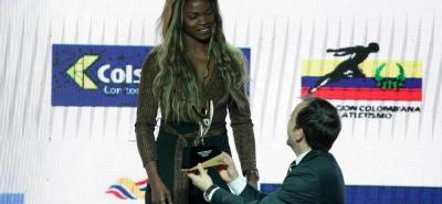 La atleta Caterine Ibargüen no para de recibir reconocimientos luego de un año brillante que le permitió recibir el premio Altius de Oro a la Atleta del Año.