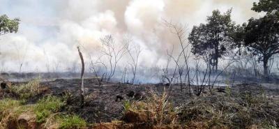 Carrotanques de Barichara y San Gil fueron utilizados para controlar las llamas en el municipio de Villanueva.