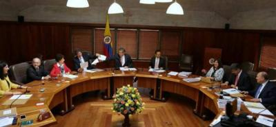 En medio de un año electoral donde los colombianos deberán elegir a sus mandatarios regionales y locales, las altas cortes deberán decidir sobre temas fundamentales para el sistema político de la Nación.