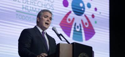 Iván Duque pide declarar de lesa humanidad crímenes de Gloria Lara y Álvaro Gómez