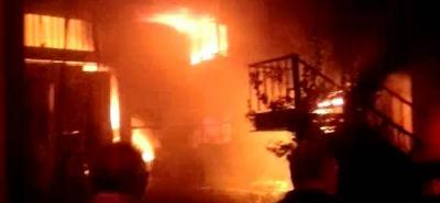 Voraz incendio consumió una bodega en la vía Bucaramanga - Girón
