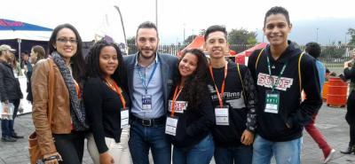 Pilosos estudiantes de Piedecuesta buscan ganar en festival de cine hecho con celulares
