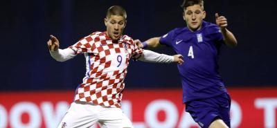 Croacia y Grecia disputan el repechaje para lograr un cupo al mundial de fútbol en Rusia.