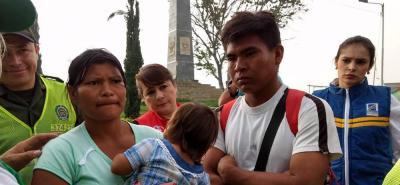 Niña Yukpa fue entregada a sus padres en Bucaramanga y regresa a Venezuela