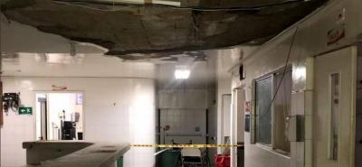 Tras fuertes lluvias colapsó techo del área de urgencias en el Hospital de Floridablanca