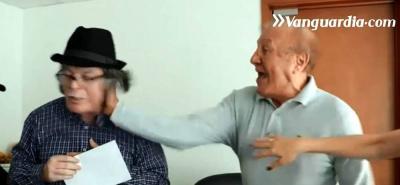 En video quedó registrada la pelea y el golpe que sacó a Hernández de su puesto.