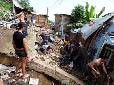 Emergencia por derrumbe de cuatro casas en Bucaramanga