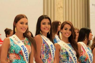Así fue la llegada de las reinas de Bucaramanga y Santander a Cartagena