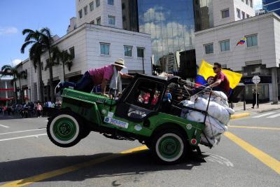 Vea las mejores imágenes del desfile de Jeeps Willys.