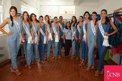 Candidatas al Concurso Nacional de Belleza calzan zapatos hechos en Bucaramanga.