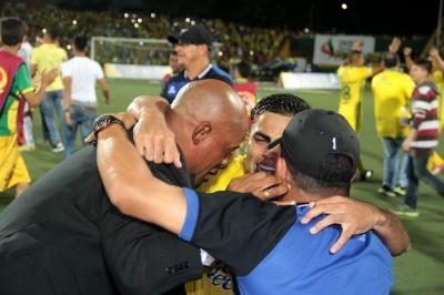 Esta fue la celebración de los jugadores e hinchas del Atlético Bucaramanga
